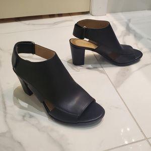 🎆HP🎆NWOT Naturalizer Sandals